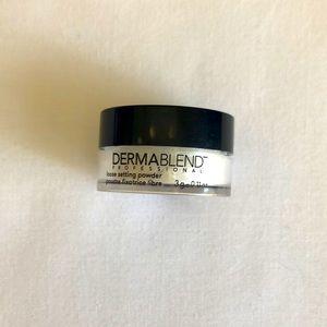 ⚡️$5 Mini Dermablend Loose Setting Powder